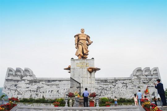 Đi hết Quảng Ninh qua những quần thể tâm linh đẹp ngoạn mục