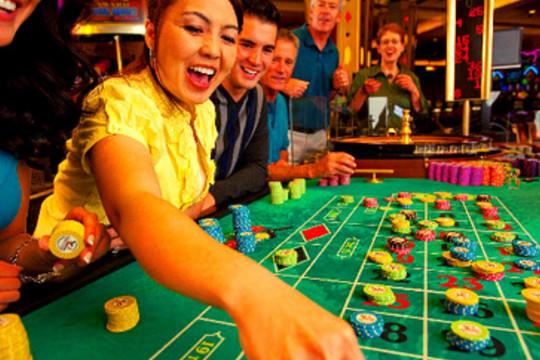 Có nên ly hôn khi vợ mê cờ bạc?