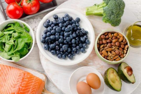 """5 thực phẩm giúp trẻ """"thông minh"""""""