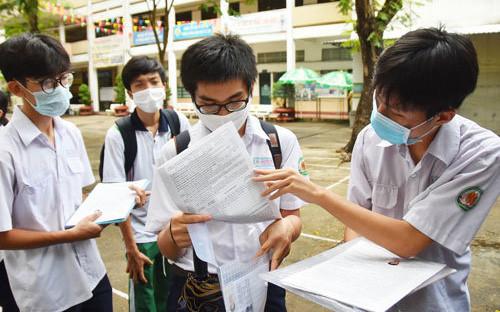 Đề Lịch sử thi vào lớp 10 chuyên ở Hà Nội