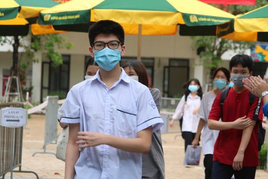 Đề Tin học thi vào lớp 10 trường chuyên của Hà Nội