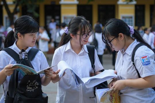 Đề môn Vật Lý thi vào lớp 10 trường chuyên của Hà Nội
