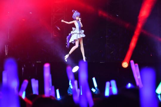 Ca sĩ ảo chinh phục hàng triệu khán giả Trung Quốc