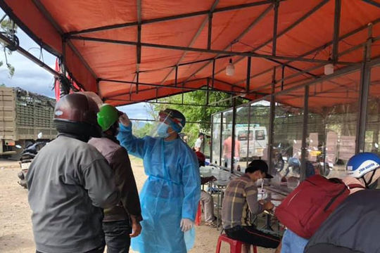 5 nhân viên y tế ở Bình Định dương tính nCoV