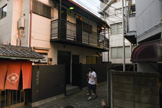 """Ngành khách sạn ở Tokyo """"đau đầu"""" vì kỳ Olympic lạ lùng"""